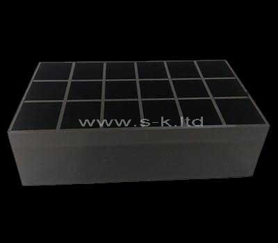 18 compartment box
