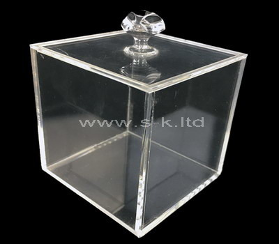 plastic box with lid
