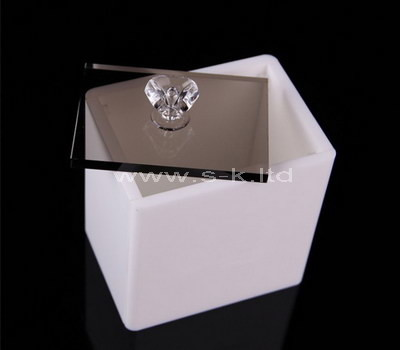 white plastic box with lid