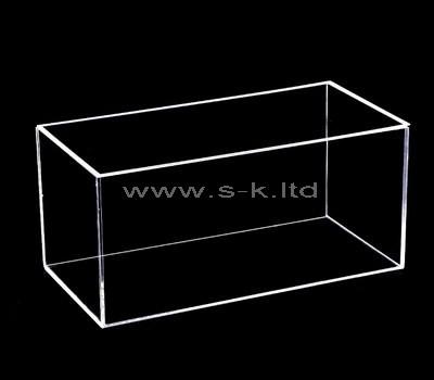 clear plexiglass box