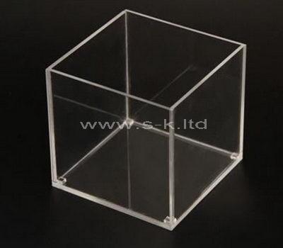 clear plexiglas display box