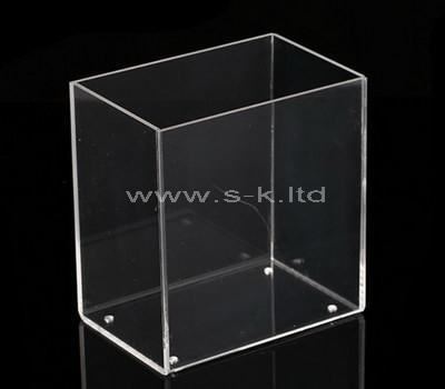clear plexiglas boxes
