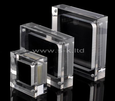 Acrylic jewelry display cases with lid