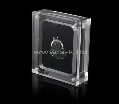 Clear acrylic pendant display case with lid