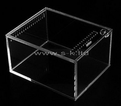 Custom design acrylic display case with lock