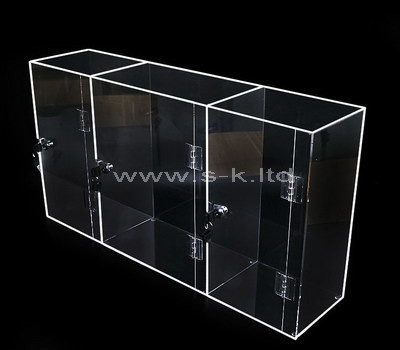 Custom 3 grids clear acrylic lockable display case