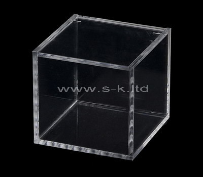Custom clear acrylic display cube
