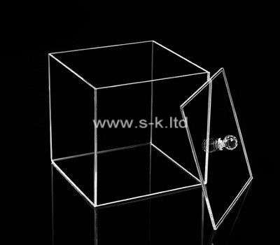 Custom square clear lucite box with lid