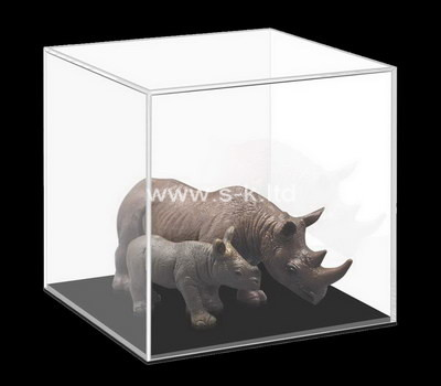 Custom clear acrylic model animal display case