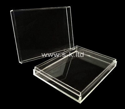 Custom flat clear acrylic display case